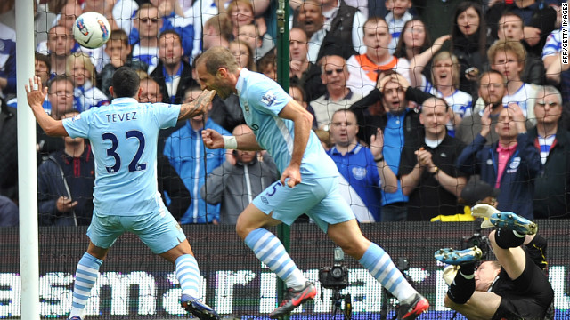 39 mins: Back in Manchester, Pablo Zabaleta puts City back in the driving seat as Paddy Kenny fails to keep his shot out. 