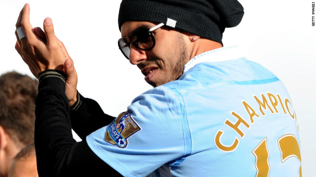 Blue half of Manchester hail City\'s EPL title triumph