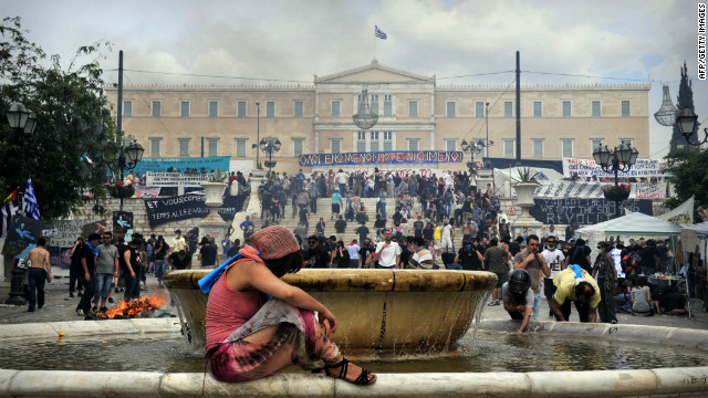 As U.S. voters prepare to head to the polls, Greeks remain in the dark over whether European bailout plans will allow them to remain in the euro.