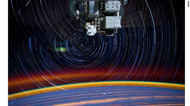 El espacio psicodélico a través de una lente en la Estación Espacial