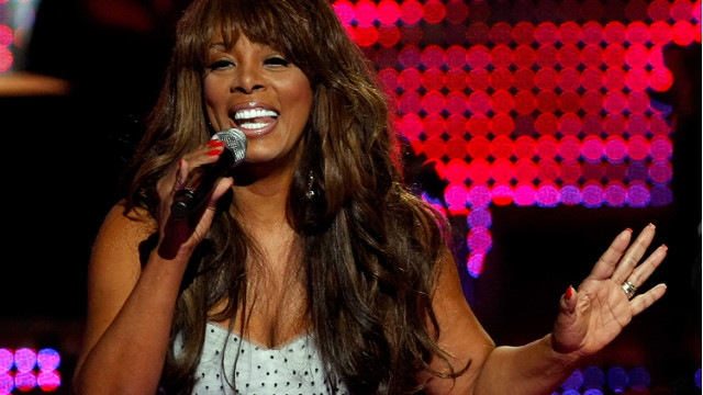 Donna Summer dies at age 63