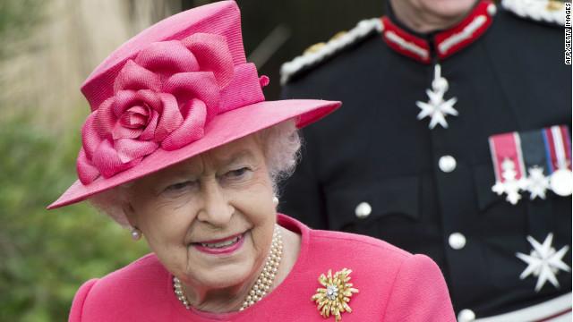 Activistas de derechos humanos critican evento de la reina Isabel