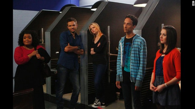 'Community' cast thanks Dan Harmon as he's replaced