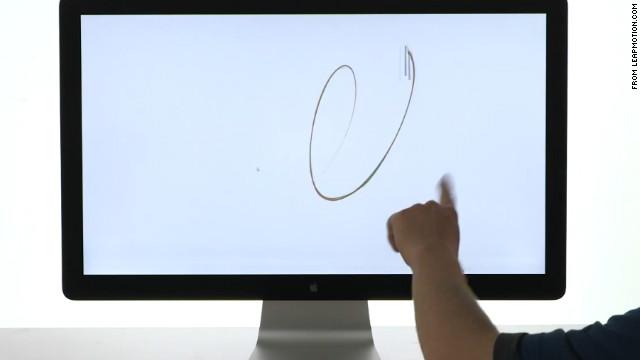 ¿Se puede controlar una computadora sin tocarla?