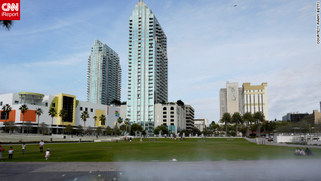 Tampa's &lt;a href='http://www.thetampariverwalk.com/detail_hixon.htm' target='_blank'&gt;Curtis Hixon Waterfront Park&lt;/a&gt; overlooks the Hillsborough River. It's flanked by both modern towers and historical buildings.