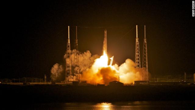 Histórico lanzamiento del primer cohete privado al espacio