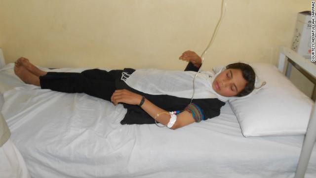 Envenenan a 125 niñas y tres maestras en una escuela de Afganistán
