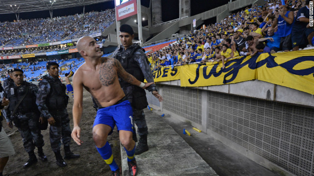 Santiago Silva celebrates his crucial late goal as Boca Juniors reached the Copa Libertadores semifinals.