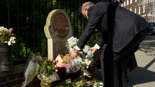 Libyan Prime Minister Abdurrahim El-Keib lays a wreath at the spot where Yvonne Fletcher was shot dead in 1984.
