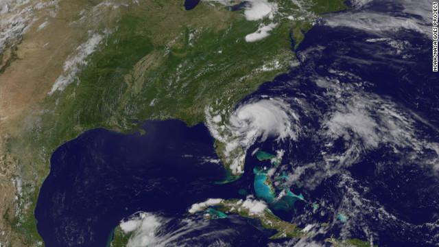 Tormenta tropical Beryl golpea la costa de Florida
