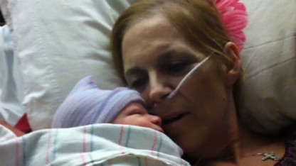 Dying grandma lives to see grandson born