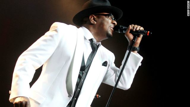 Bobby Brown dedicates 'Every Little Step' to U.S. troops