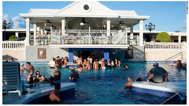 1 de cada 5 personas se orina en las piscinas de EE.UU.
