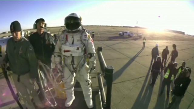 Un paracaidísta planea realizar un salto supersónico desde el espacio