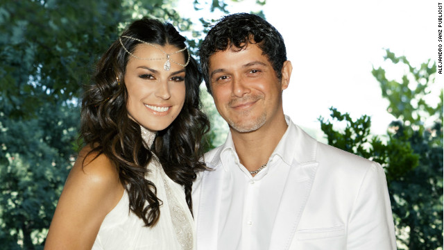 Raquel Perera married singer-songwriter Alejandro Sanz.