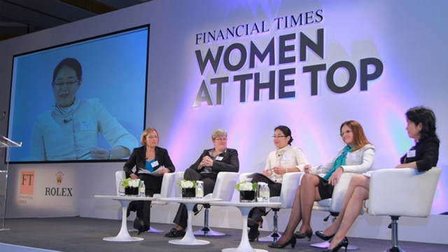 Jennifer Li (center) takes part in a Financial Times discussion on the topic of women at the top of business.