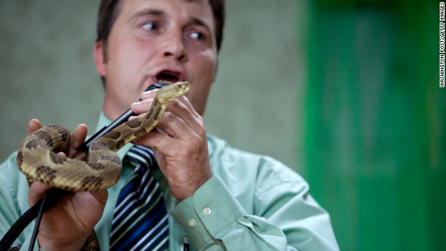 Death of snake handling preacher shines light on lethal Appalachian tradition
