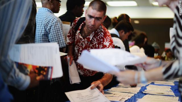 EE.UU. apenas generó 69.000 empleos en mayo y el desempleo subió a 8,2%