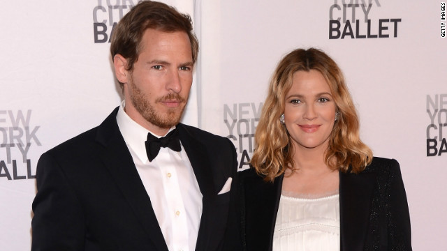 Drew Barrymore weds, Kelsey Grammer renews vows
