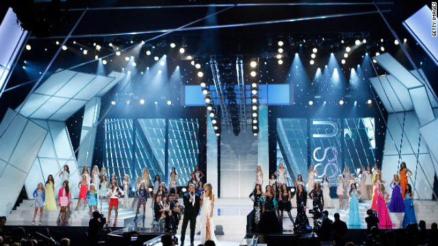 The competition had three categories, swimsuit, evening gowns and interview and was hosted by Andy Cohen and Giuliana Rancic.