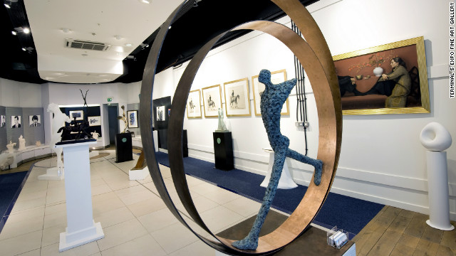 Heathrow Airport in London hosts the Terminal 5 Expo Fine Art Gallery, which aims to exhibit the very best British art during the forthcoming 2012 Olympic Games as well as providing a quiet, contemplative space for travelers.