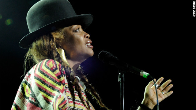 Badu strips down for video with The Flaming Lips