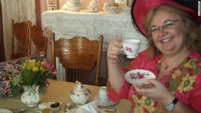"Susanvel60 will be having a tea-riffic weekend celebrating the queen's Diamond Jubilee at several tea houses in New Jersey and New York. ""I love the Queen. She has been the pillar of stability for all these years and I feel like she really loves her job. 60 years is a long time and I just really admire her dedication to her country and her love for her country."""