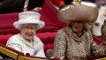 Queen arrives at Buckingham Palace