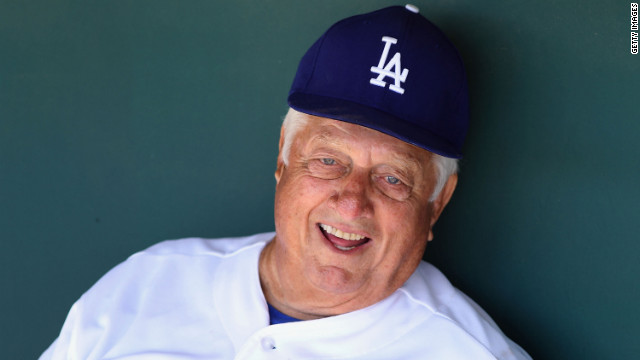 Former Dodgers manager Tommy Lasorda suffers heart attack