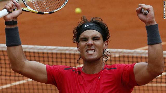 Rafael Nadal's quest for a seventh French Open title is in good shape after he beat fellow Spaniard Nicolas Almagro in the quarterfinals.