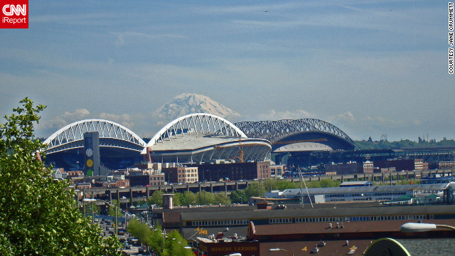 The snow-capped peaks of Mount Rainier, a major attraction about two hours outside the city, contribute to Seattle's breathtaking setting.