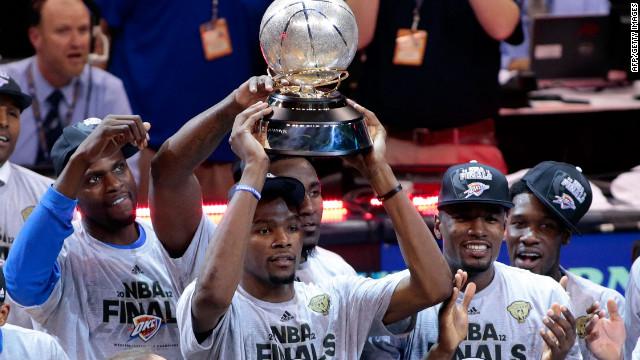 Los Thunder de Oklahoma vencen 107-99 a San Antonio y van a las finales de la NBA