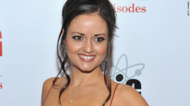 'Wonder Years' actress Danica McKellar files for divorce