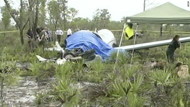 The wreckage of a small plane lies in a remote part of Florida, after a crash killed at least six members of one family.