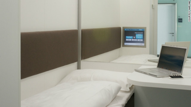 Napcabs contain a bed, desk, air conditioning, internet access and a TV. For a toilet and shower, travelers need to use the public airport facilities.
