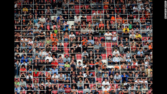 Fans attend the Dutch team's training session.