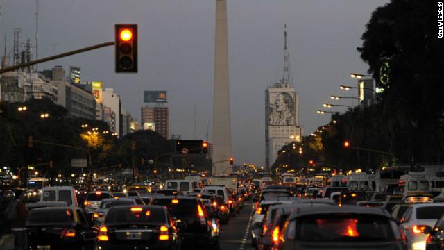 Kiernan: El gobierno argentino transforma cualquier problema en épica militante