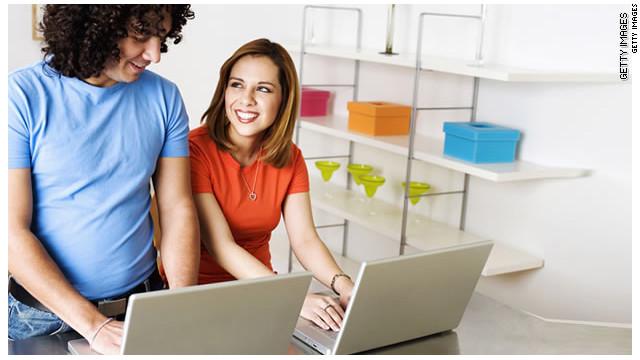 Las redes sociales también pueden fortalecer tu relación en pareja