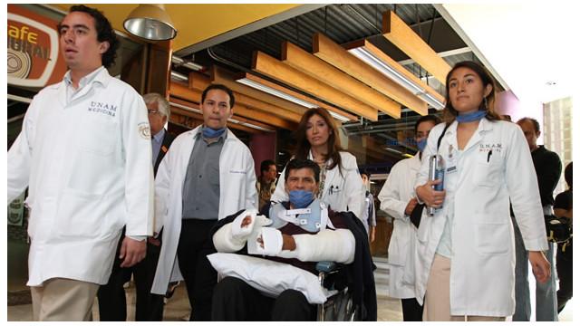 Mexicano con brazos trasplantados espera volver a trabajar pronto