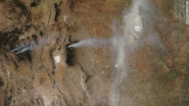 Imagen satelital de los múltiples incendios en Colorado y Nuevo México
