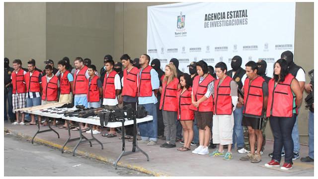 """Caen 52 presuntos """"zetas"""" durante mega redada en Nuevo León, México"""