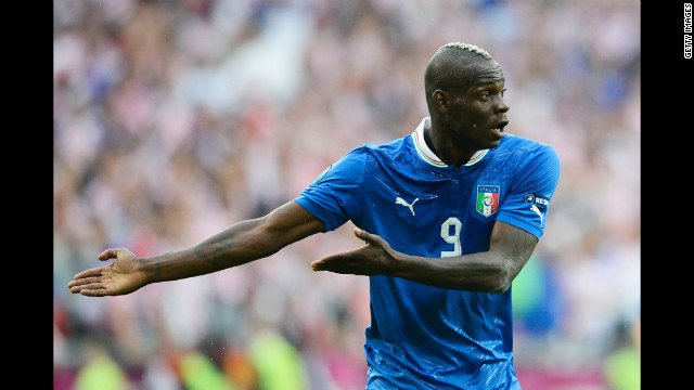Mario Balotelli of Italy makes his case during Thursday's match against Croatia.