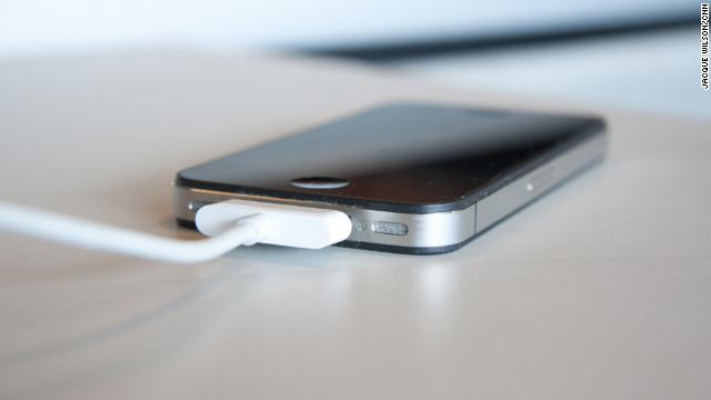 "Rumores del iPhone: ¿Un nuevo ""dock"" y un mini conector?"
