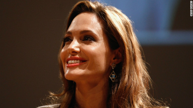 Angelina Jolie donates $100k to Syrian refugees