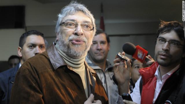 El expresidente paraguayo Fernando Lugo reconoce legalmente a su segundo hijo