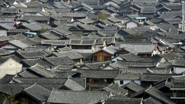  Lijiang, an ancient town set in a dramatic mountain landscape in the southwestern province of Yunnan has struggled to accommodate a surge in tourists. It receives 11 million visitors a year.&lt;br/&gt;&lt;br/&gt;