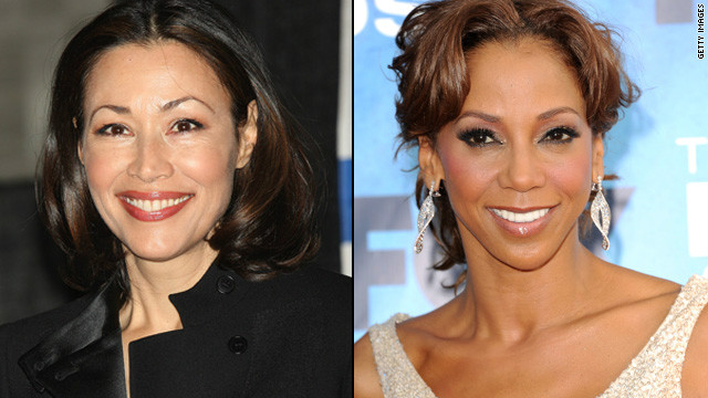 Holly Robinson Peete shows support for Ann Curry