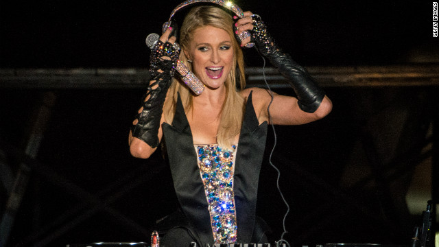 Paris Hilton makes her DJ debut