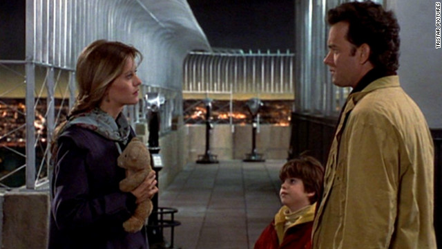 Sam Baldwin (Tom Hanks) receives countless letters from sympathetic women after opening up about his late wife on the radio. His son, Jonah, is so taken with a letter from Annie Reed (Meg Ryan) that he tries to bring her and his dad together.