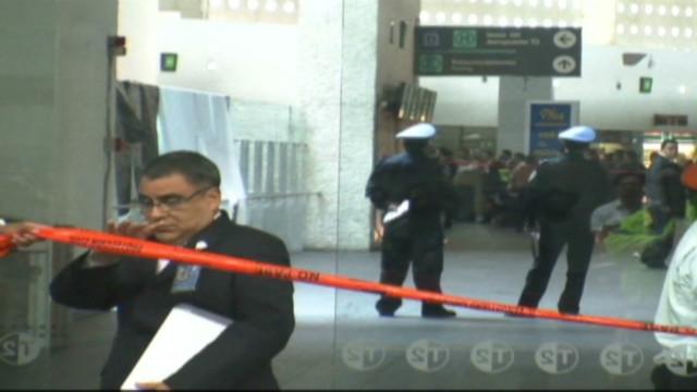 Identifican a policías involucrados en un tiroteo en aeropuerto de México